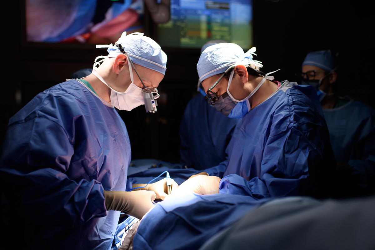 MSK surgeons Joseph Dayan and Babak Mehrara during surgery