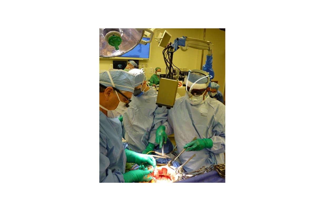 Stereo-vision system for continuous surgical guidance