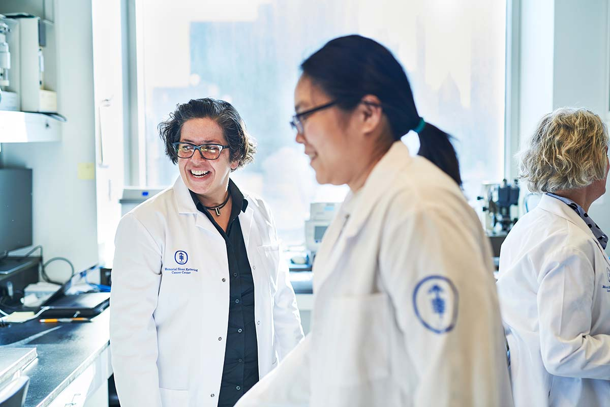 Developmental biologist Kat Hadjantonakis and research technician Ying-Yi Kuo in the lab