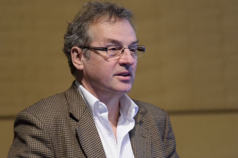 "Andreas Nagy of the Lunenfeld-Tanenbaum Research Institute presents ""Pluripotency in the artificial cell space"""