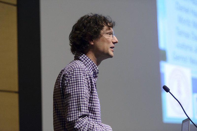"Marius Wernig of the Stanford University School of Medicine presents ""Direct reprogramming towards the neural lineage"""