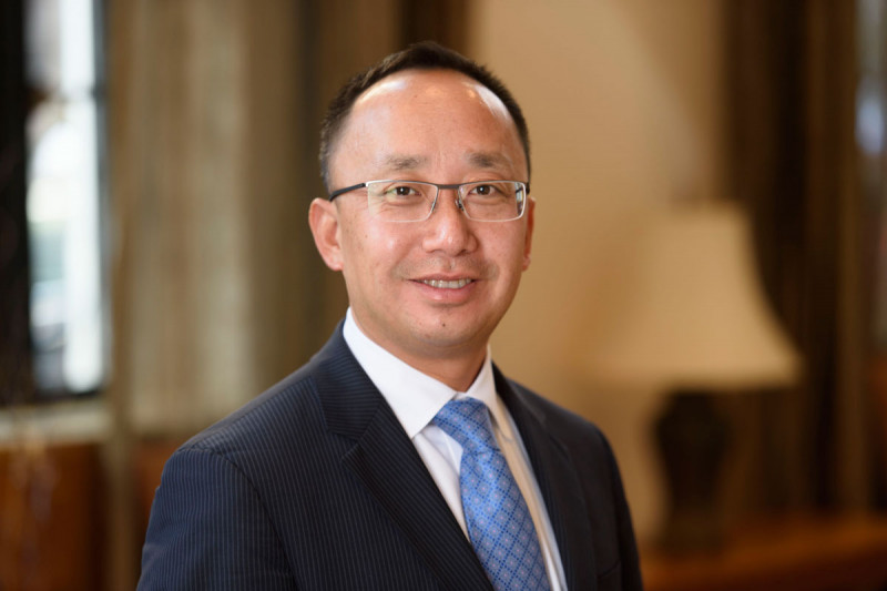 Integrative medicine specialist Jun Mao
