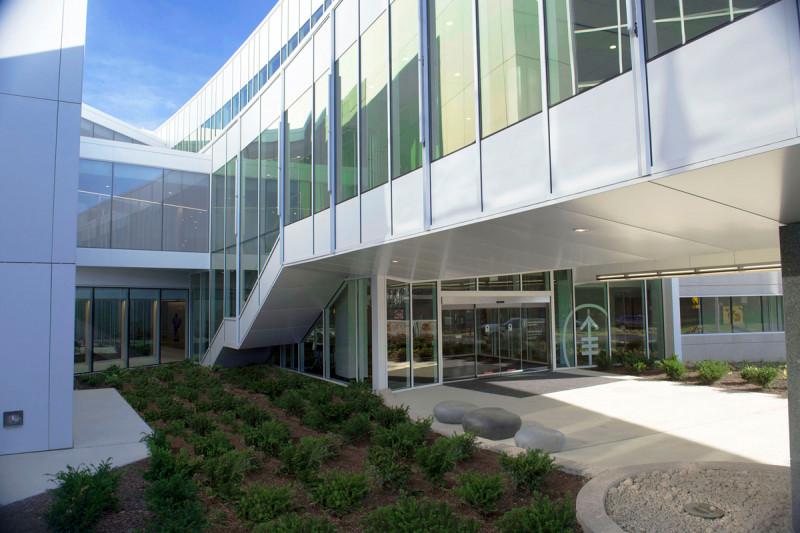 Take a virtual tour of our MSK Monmouth outpatient location, which offers New Jersey residents the benefit of receiving surgery, treatment, and rehabilitation close to home.