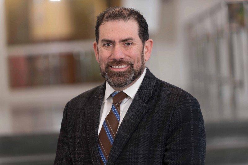 MSK medical oncologist Luis Diaz, Jr.