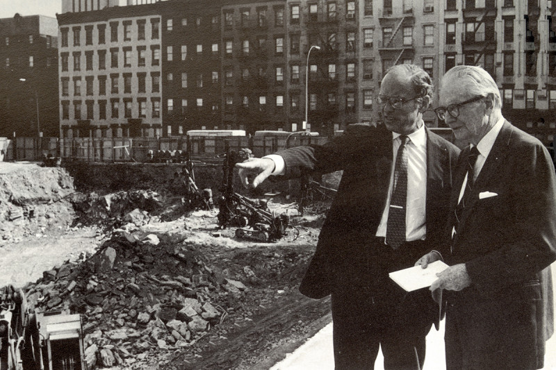 Paul Marks (left) and Laurance Rockefeller at the Rockefeller Research Laboratories groundbreaking in 1986