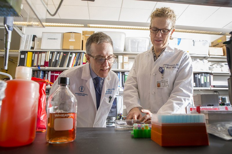 Jedd Wolchok and Charlotte Ariyan in the lab