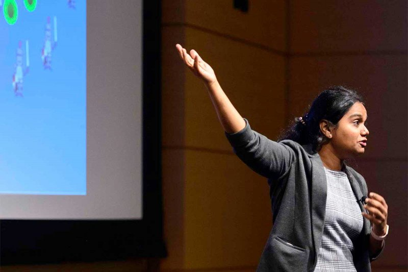 Postdoc Aditi Sahu gives a three-minute presentation of her work during the 2020 MSK Postdoc Slam.