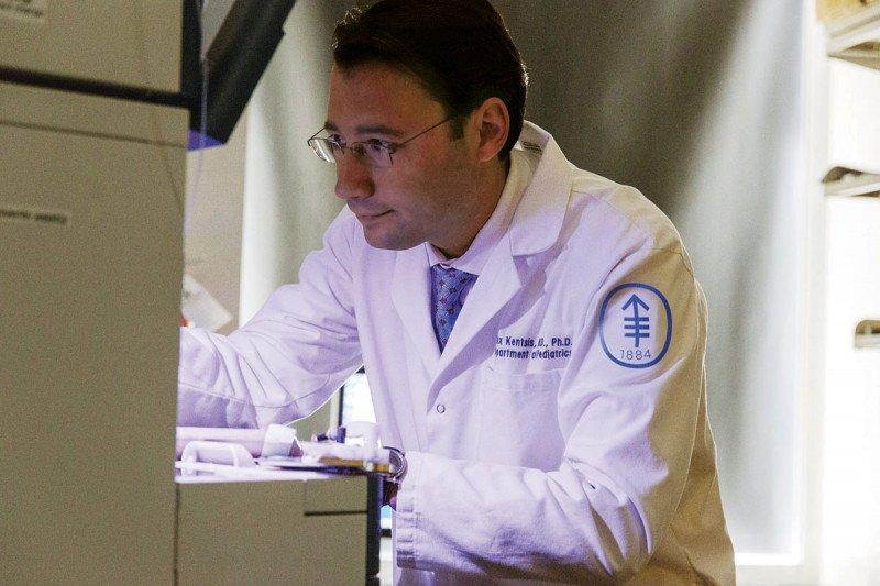 Alex Kentsis in his lab