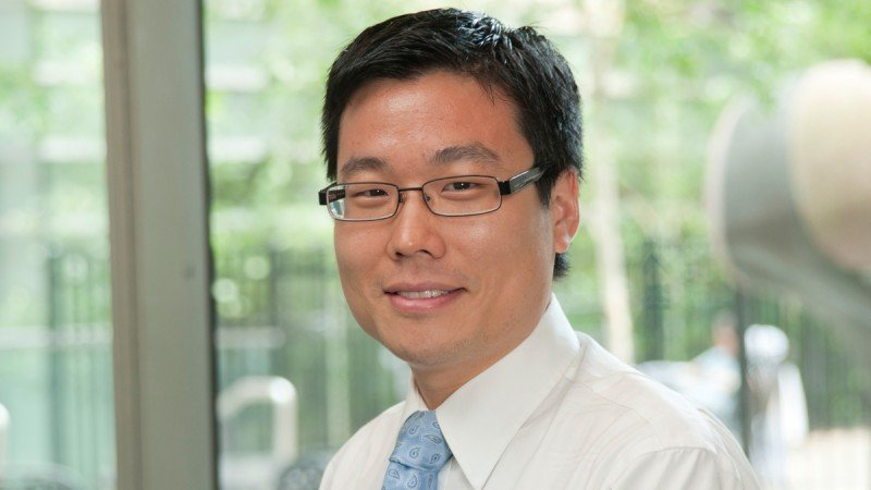 Medical oncologist Paul Paik discusses the Squamous Cell Carcinoma of the Lung Mutation Analysis Program (SQ-MAP) and various open clinical trials.