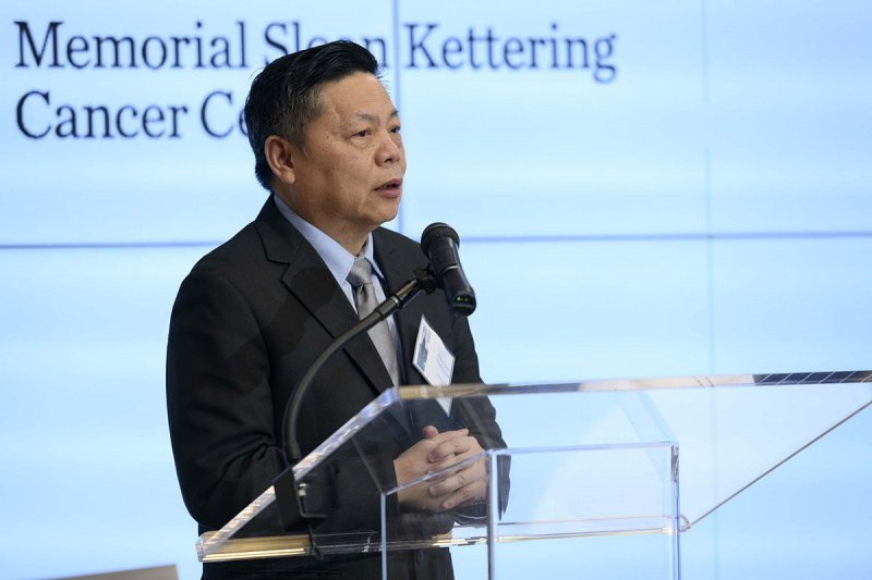 Yi-Long Wu, President of CTONG and Symposium Co-Chair