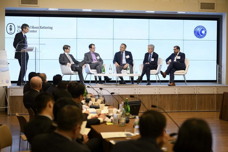 Leading experts participate in a panel discussion
