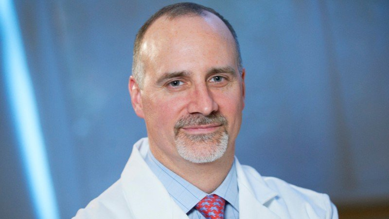 Urologic surgeon Jonathan Coleman discusses vascular targeted photodynamic (VTP) therapy for delivering  intravenous TOOKAD® to destroy prostate tumors and the blood vessels that support them.