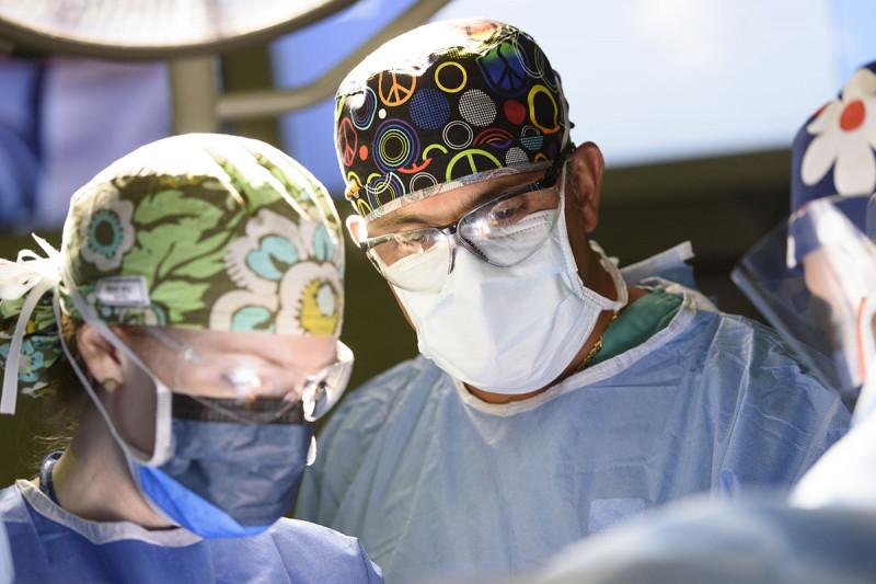 Surgeon Mario Leitao in the operating room