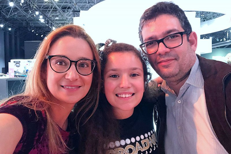 MSK patient Maria Rozentul and her family