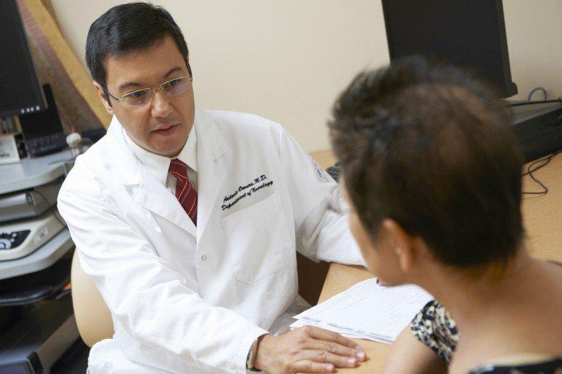 Neuro-oncologist Antonio Omuro