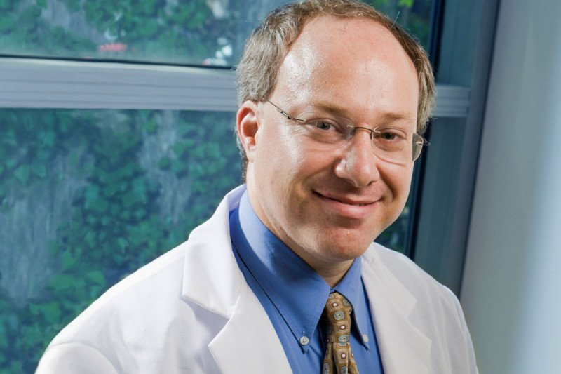 Medical oncologist Eric Sherman