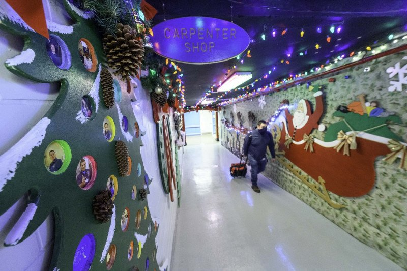The entrance to the Holiday Hallway.