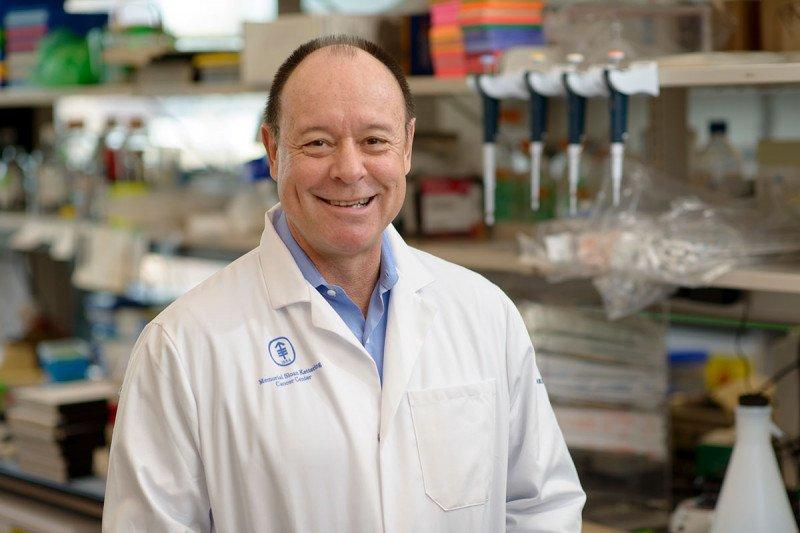 Developmental biologist Luis Parada