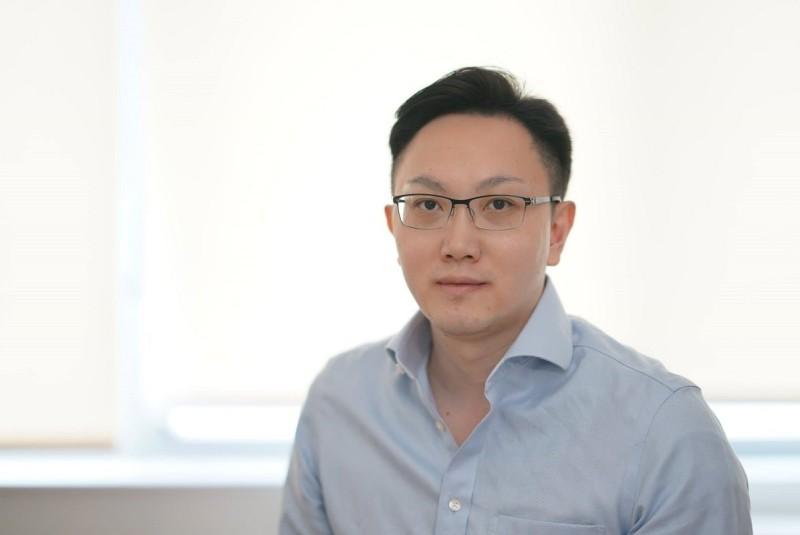 Eric Minwei Liu