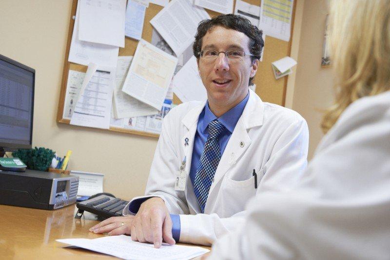 Thoracic oncologist Lee Krug