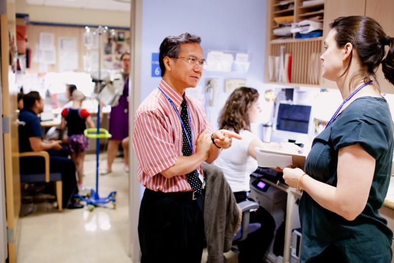 Nai-Kong Cheung, Neuroblastoma Program Head, discusses a patient with neuroblastoma specialist Ellen Basu.