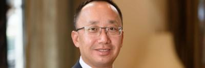 Integrative medicine specialist Jun Mao