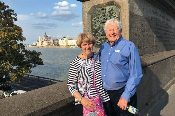 MSK patient Dan Hussar and his wife