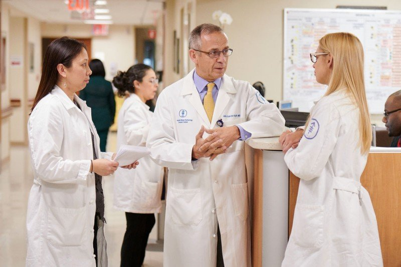 Memorial Sloan Kettering's Julio Garcia-Aguilar, the chief of the Colorectal Service, with nurses