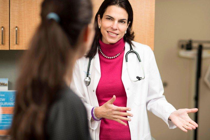 Medical oncologist Diane Reidy Lagunes