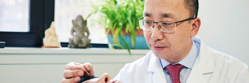 Jun Mao, Chief of MSK's Integrative Medicine Service, delivers acupuncture